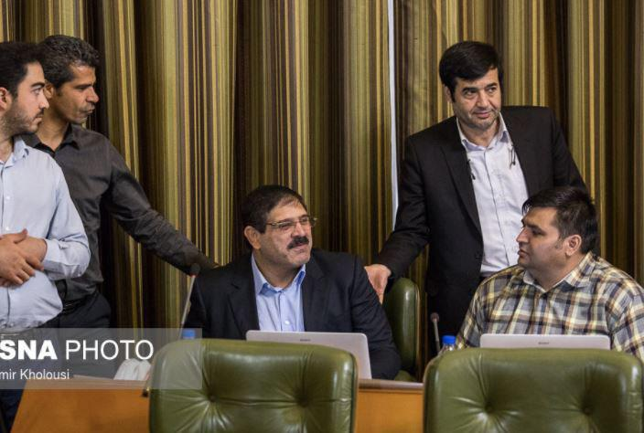 جلسه علنی شورای شهر تهران و رونمایی از کبودی زیر چشم عباس جدیدی