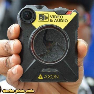 لباس پلیسها دوربیندار میشود