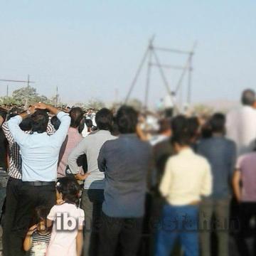قاتل آتنای اصفهان صبح امروز در ملاء عام به دار مجازات آویخته شد