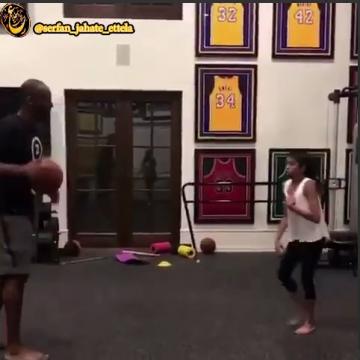 استعداد و مهارت دختر کوبی برایانت از برترین بازیکنان تاریخ بسکتبال