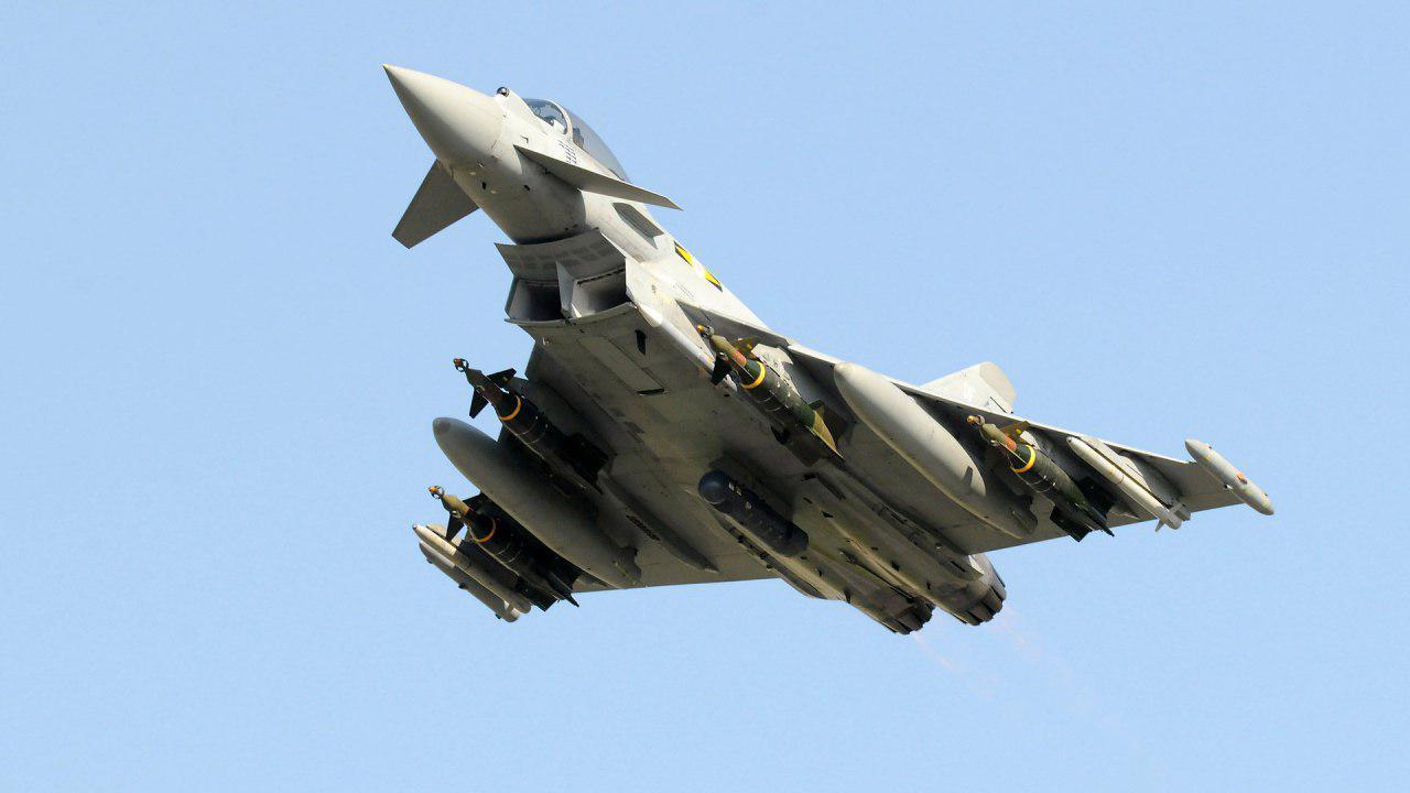 قطر ۲۴ فروند جنگنده تایفون از انگلیس خرید
