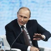 ویدیو: علت خنده های مداوم پوتین در نشست هیئت دولت!