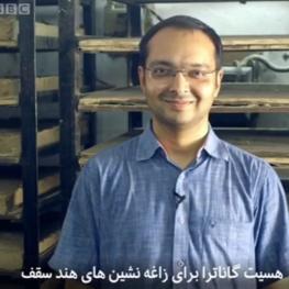 مردی که با مقواهای دورانداختنی برای زاغهنشینان هند  سقفهایی بهتر از بتن میسازد