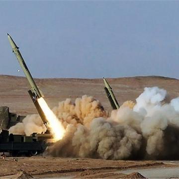 شلیک موشک بالستیک انصارالله یمن به پادگان وابسته به ائتلاف سعودی در مأرب