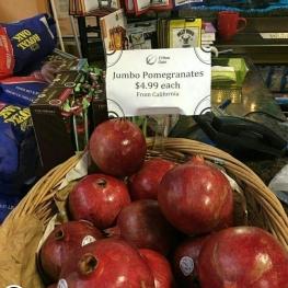 فروش انار در آمریکا دانهای ۵ دلار! (۲۰ هزار تومان)