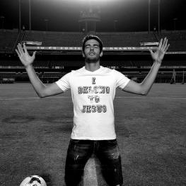کاکا رسما از دنیای فوتبال خداحافظی کرد.