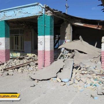 مدیرکل آموزش و پرورش استان کرمانشاه به دانش آموزان مناطق زلزله زده استان قول داد