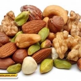 خوردن تنقلاتی مانند بادام زمينی، بادام هندی، گردو و .. ناراحتیهای قلبی را تا ۳۰ درصد کاهش میدهد