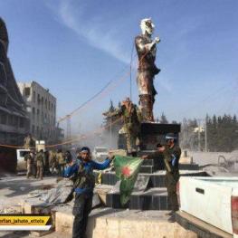 پس از تسخیر عفرین، مجسمۀکاوۀ آهنگر را در یکی از میادین مرکزی شهر سرنگون کردند