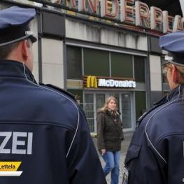 جریمه شدن پلیس مسلمان آلمانی به دلیل دست ندادن با همکار زن خود