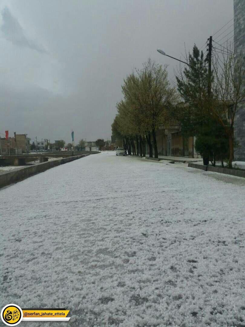 بارش بی سابقه تگرگ در  شهر «وزوان» اصفهان
