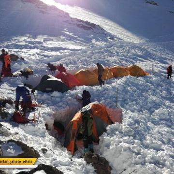 آغاز عملیات جستجو در ارتفاعات دنا در پنجاه و نهمین روز از سقوط هواپیمای تهران یاسوج