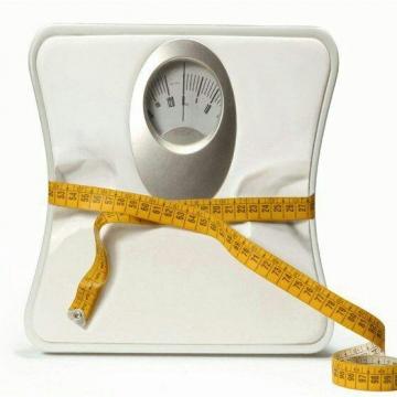 ۵۰ درصد ایرانیها اضافه وزن و فشار خون دارند.