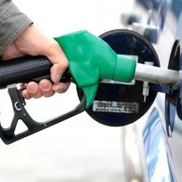 استانداری یزد: هم اکنون کمبود و مشکلی در تأمین فرآورده های نفتی در استان وجود ندارد