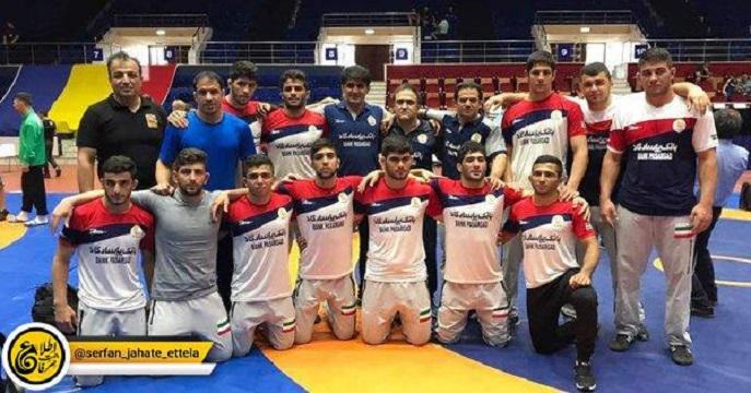 تیم منتخب کشتی آزاد جوانان ایران به عنوان قهرمانی رقابتهای بین المللی کشتی در رومانی رسید