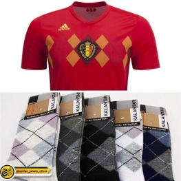 شباهت پیراهن بلژیک با جوراب طرح لوزی
