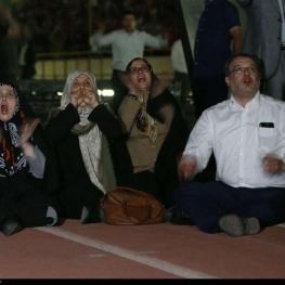 تصویر نمایندگان مجلس در ورزشگاه آزادی