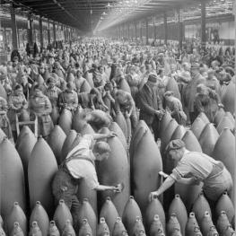 کارخانه بمب سازی در انگلیس!