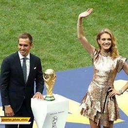 فیلیپ لام کاپ قهرمانی جام جهانی را به ورزشگاه محل برگزاری فینال جام جهانی روسیه ۲۰۱۸ آورد