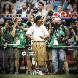 حضور ویژه و خاص رونالدینیو در ورزشگاه محل برگزاری فینال جام جهانی ۲۰۱۸