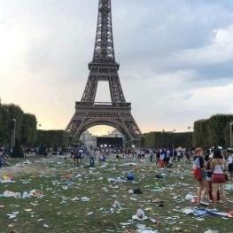 اینجا پاریس است. پس از جشن پیروزی در جام جهانی!