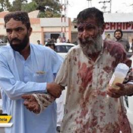 بمبگذاری انتحاری در پاکستان بیش از ۷۰ کشته بر جای گذاشت