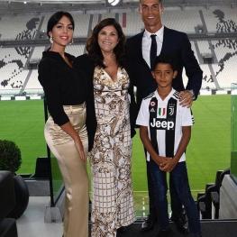حضور کریستیانو رونالدو به همراه خانواده اش در استادیوم یوونتوس