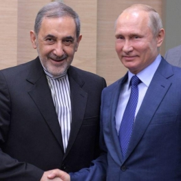 دیدار ولایتی با پوتین با درخواست روحانی از رهبرانقلاب انجام شده است