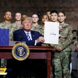دونالد ترامپ،رئیس جمهوری ایالات متحده لایحه بودجه دفاعی آمریکا در سال ۲۰۱۹را به امضا رساند