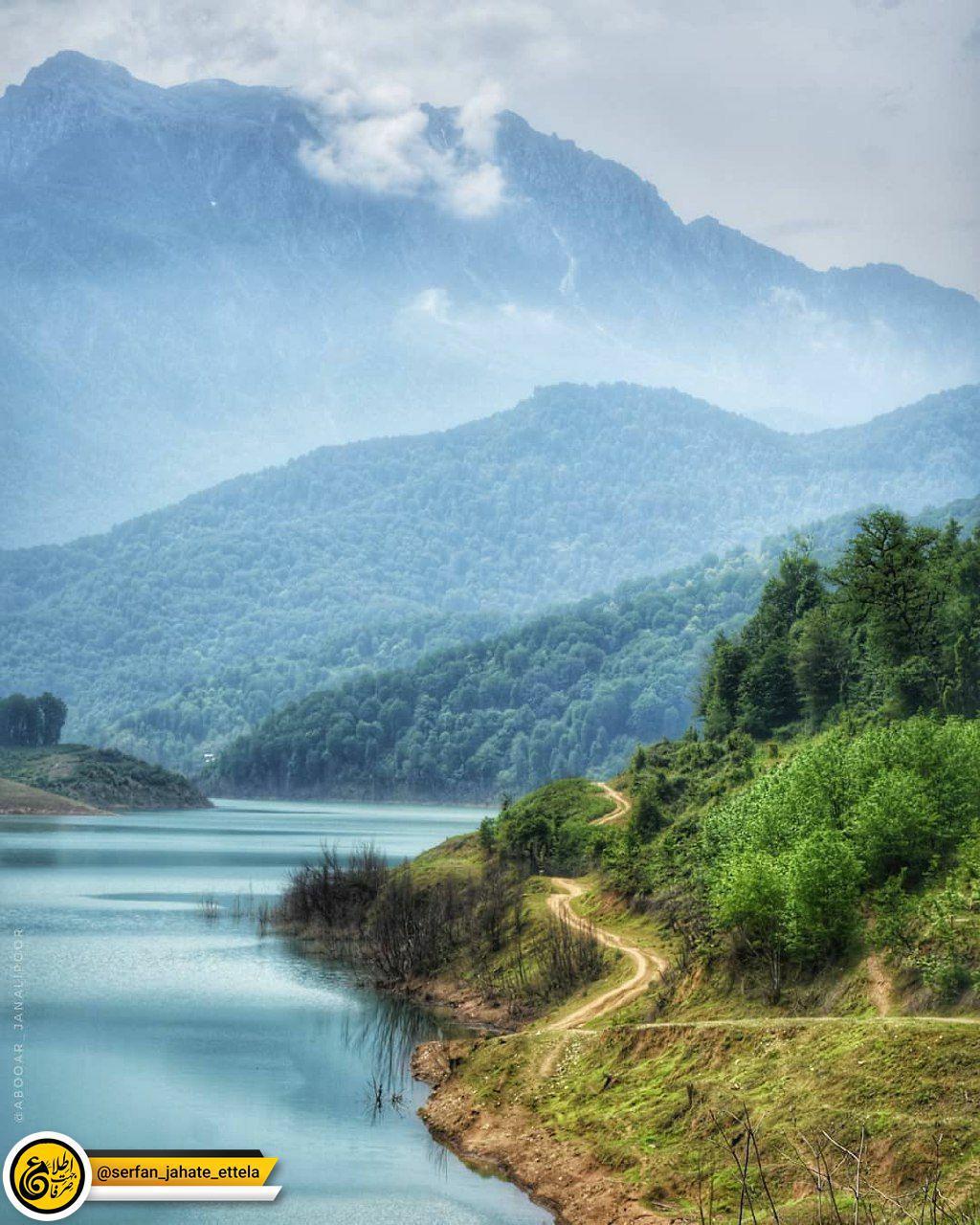 این نمای حیرت انگیز تلفیقی از دریاچه زیبای بیجار و کوههای درفک استان گیلان است