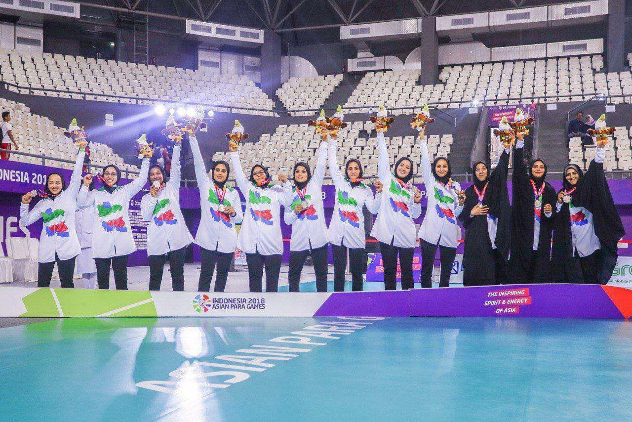 تیم زنان والیبال نشسته ایران پس از نایب قهرمانی در بازیهای پاراآسیایی جاکارتا