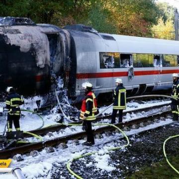 آتش سوزی قطار سریع السیر مسیر کلن – فرانکفورت آلمان