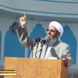 مولوی عبدالحمید ربودن مرزبانان در مرز میرجاوه را محکوم کرد