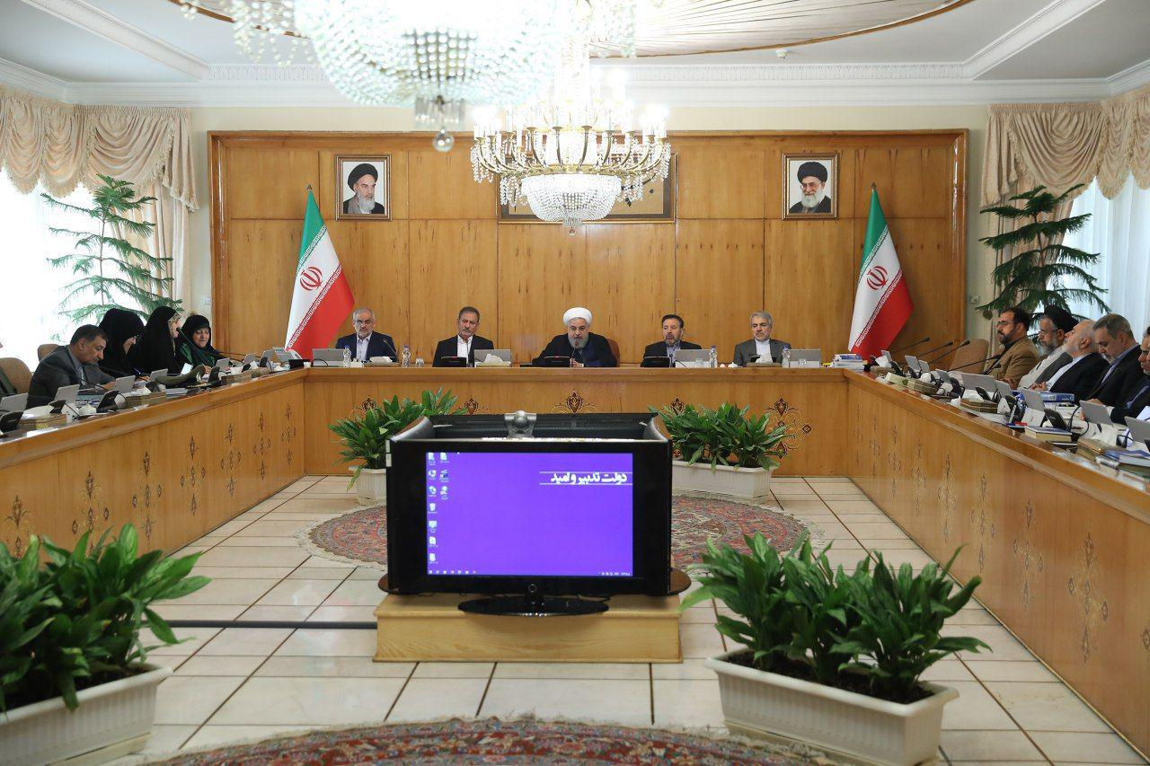 روحانی در نشست عصر امروز هیئت وزیران: برگزاری مراسم ۱۳ آبان نشاندهنده دلبستگی مردم به انقلاب اسلامی است