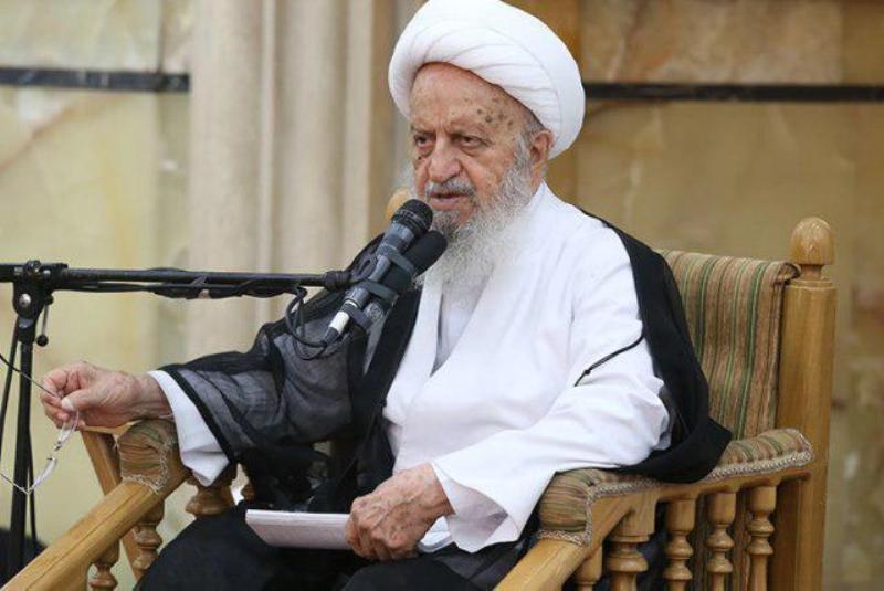 آیتالله مکارم شیرازی: امیدواریم دولت بتواند در مقابل گرفتاریها و گرانیهای روز افزون به درستی انجام وظیفه کند