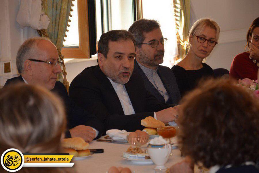 عراقچی، معاون سیاسی وزارت امور خارجه ایران روز پنجشنبه در جمع خبرنگاران ایتالیایی: تهران به تعهداتش در چارچوب برجام عمل کرده