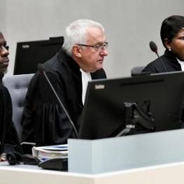 مقام ارشد کنفدراسیون فوتبال آفریقا به اتهام ارتکاب جنایت جنگی بازداشت شد