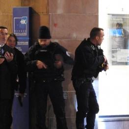 تیراندازی در بازار کریسمس در فرانسه/ پلیس از مردم خواست از خانه بیرون نیایند