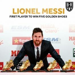 مسی پس از دریافت کفش طلای پنجم
