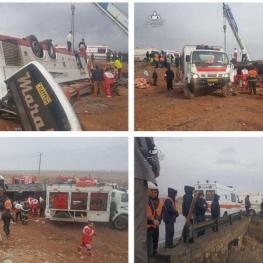 واژگونی اتوبوس در گرمسار ۲ کشته و ۳۴ مجروح بر جا گذاشت