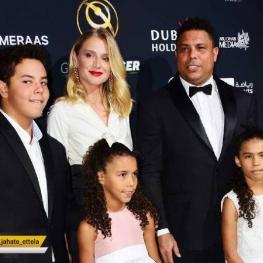 اینستاگرام گردی:رونالدو (ستاره سابق تیم ملی برزیل) به همراه خانواده اش در دبی