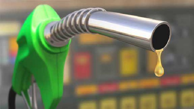 واردات بنزین به ایران از ابتدای مهرماه متوقف شد