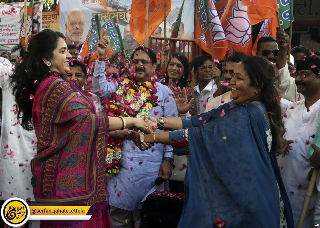 این زنان تصویب قانونی را در هند جشن می گیرند