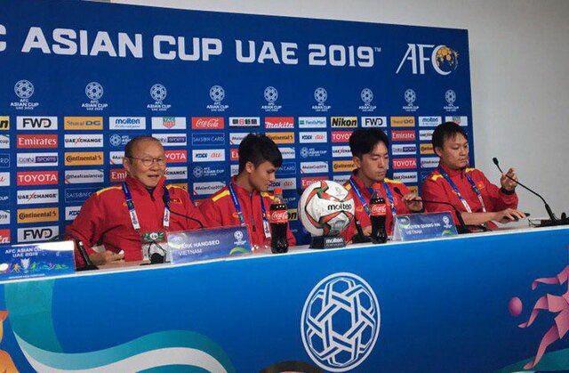 سرمربی تیم فوتبال ویتنام: میتوانیم پا به پای ایران بازی کنیم