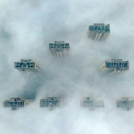 آسمانخراشهای چین غرق در مه