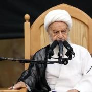 انتقاد تند مکارم شیرازی از روحانی