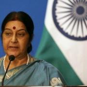 سواراج، وزیر خارجه هند در توقفی کوتاه در تهران با عراقچی دیدارکرد