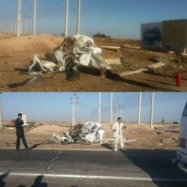 تیبا بعد از تصادف با تریلی . جاده اهواز – خرمشهر