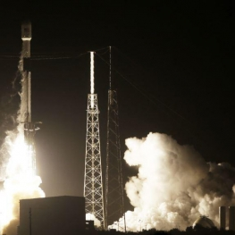 اسرائیل نخستین فضاپیمای خود را برای فرود روی کره ماه، موفقیت آمیز به فضا پرتاب کرد
