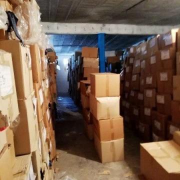 کشف بزرگترین انبار پوشاک قاچاق در البرز